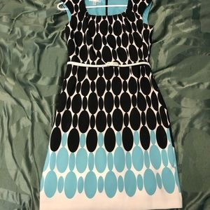 Oval-patterned Knee-length Dress - Size 6